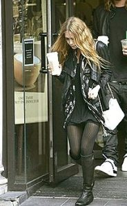La jeune star Mary-Kate Olsen. Pas vue, pas prise. Prise ? Turlututu, café moulu !