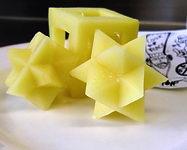 Pour tailler une pomme de terre comme ça, il faut être un génie masochiste....