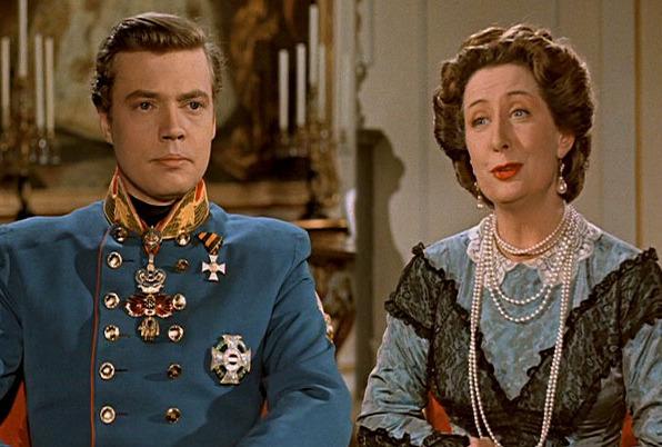 Quand Franz prend une décision politique, maman archiduchesse met toujours son grain de sel...arch !