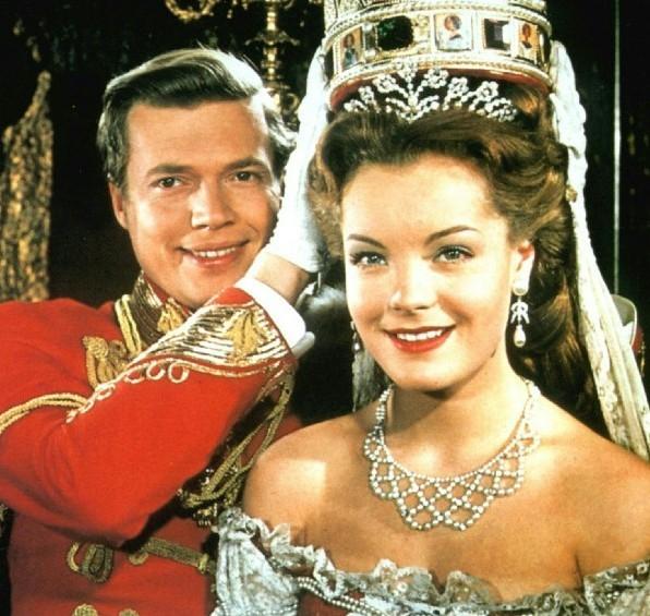 La couronne impériale leur collait à peau... Karl et Romy dans Sissi Impératrice
