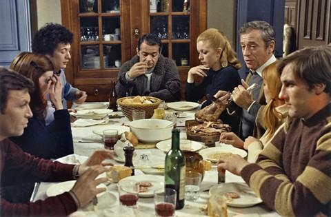 Des bonnes bouffes, du vin et des copains (Vincent, François, Paul et les autres. 1974)