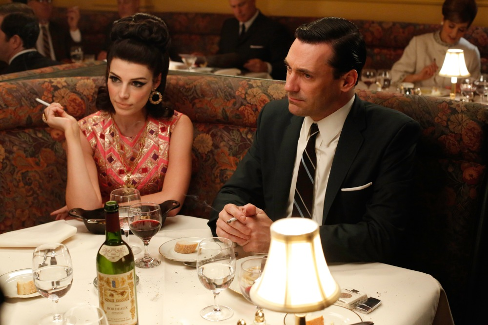 """Et toi, Roger, tu comptes acheter ou rester attentiste ?"". A Paris That is the question ! (Photos issue de Mad Men, saison 5)"