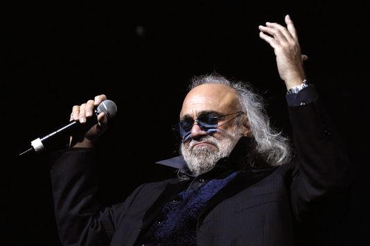 Demis Roussos lors de l'un de ses derniers concerts