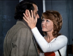 Marlène Jobert et Jean Yanne dans Nous ne viellirons pas ensemble, de Maurice Pialat, 1972. Une autre façon de s'aimer...