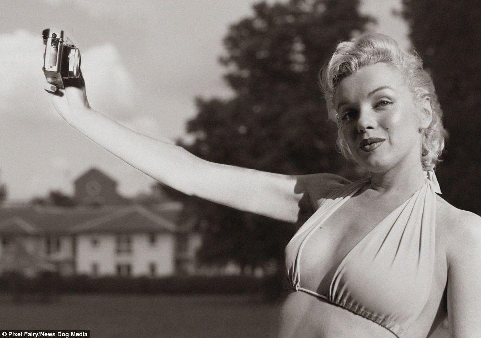 Dans les années 50, le selfie sans écran de contrôle était beaucoup plus sportif... n'est-ce pas Marilyn ?