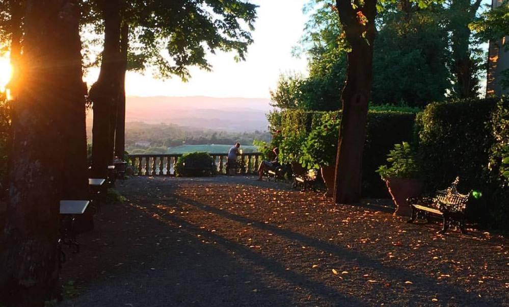 Quelque part, en Toscane, coucher de soleil sur Valle di Elsa