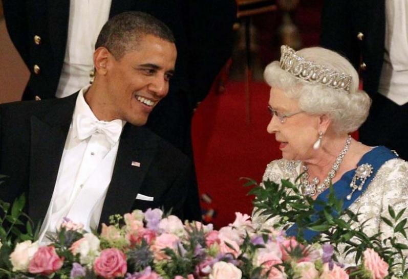 Dans son beau smoking à la Captain Stubbing, Barack Obama a conquis la Reine Elizabeth II